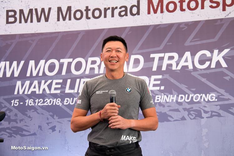 ông Wong Kah Keen và ông Silas Martin, những chuyên gia được cấp bằng chứng nhận từ tập đoàn BMW toàn cầu.