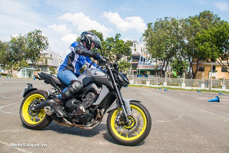 So sánh giá xe Yamaha MT-09 tại Việt Nam vs Thái Lan