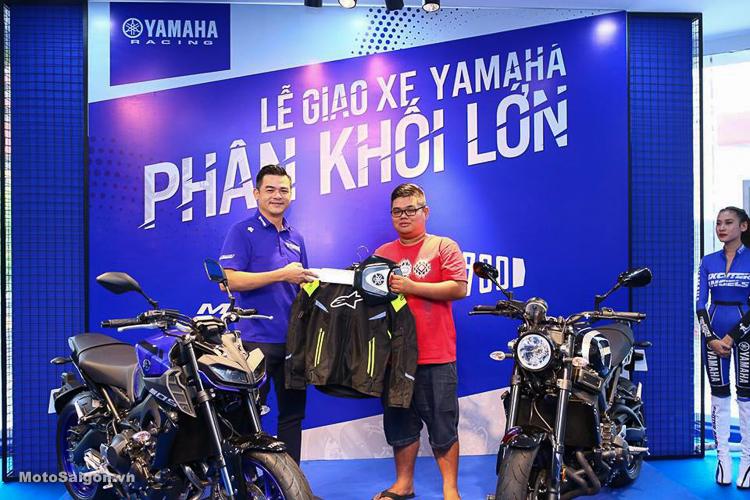 Bàn giao Yamaha MT-09 và XSR900 chính hãng đầu tiên đến tay khách hàng
