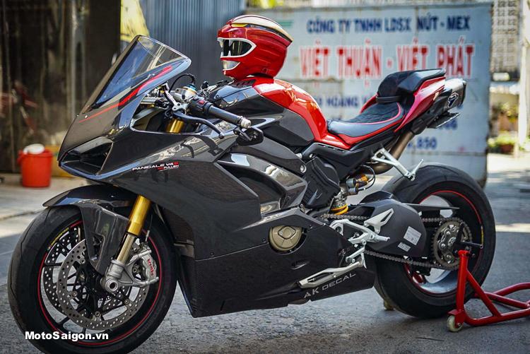 Ducati Panigale V4 S Full Carbon giá bán 1 tỷ 6 độ đồ chơi hơn 300 triệu