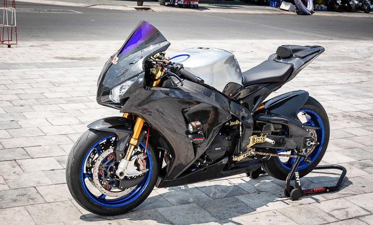 Honda CBR1000RR Full Carbon cùng đồ chơi cao cấp của BabySpeed