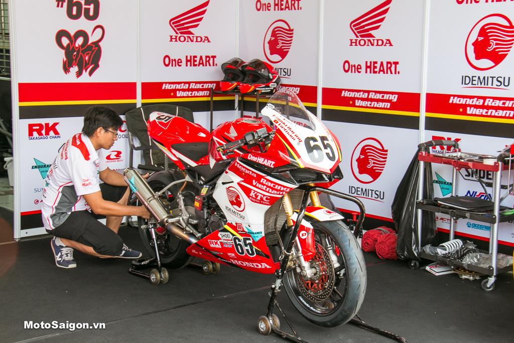 Honda CBR250RR của tay đua Cao Việt Nam số 65 - Honda Racing Vietnam