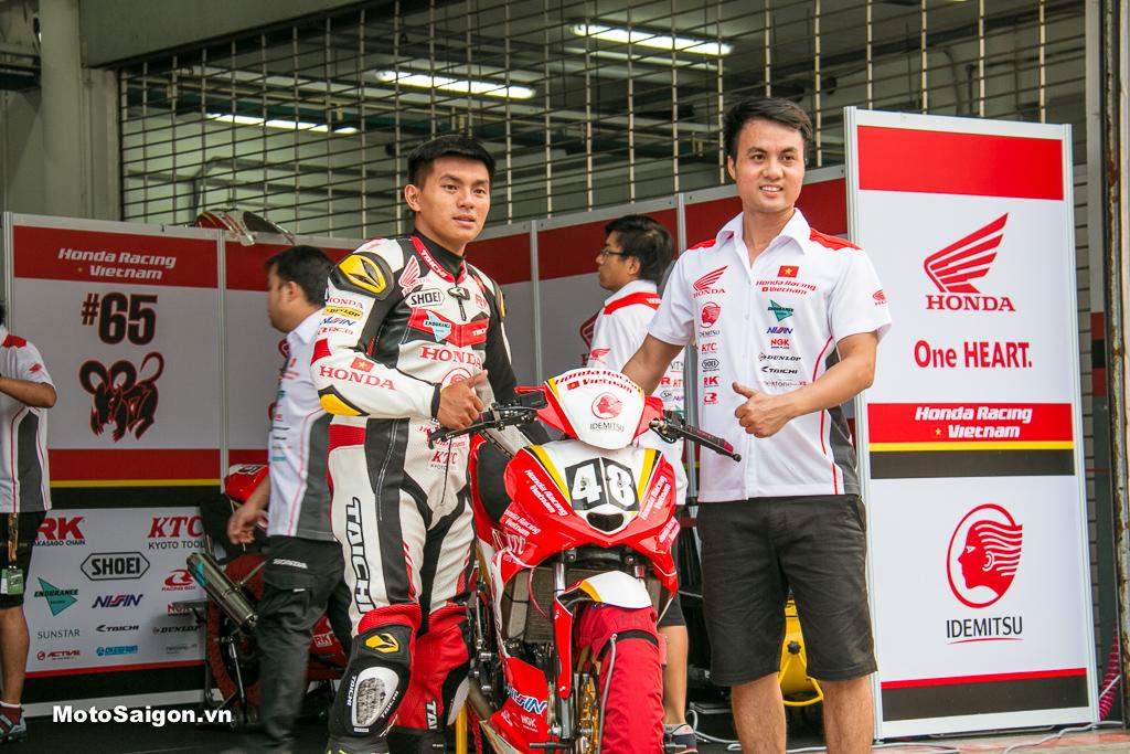 """Tay đua Lê Khánh Lộc cùng """"Chiến Mã"""" Honda Winner 150 số 48 - Honda Racing Vietnam"""