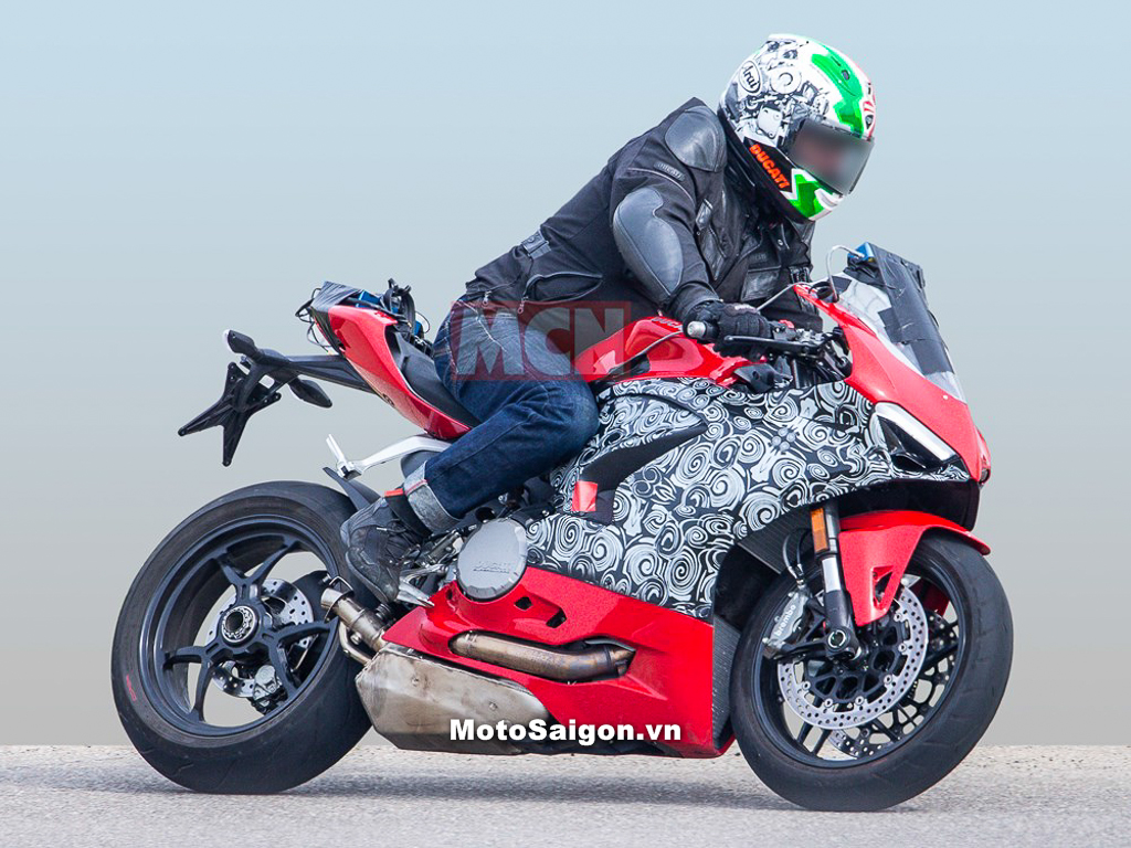Lộ ảnh Ducati Panigale 959 2019 hoàn toàn mới trên đường chạy thử