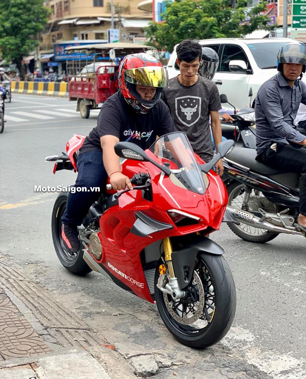 Đập thùng Ducati Panigale V4 R tại xứ sở chùa tháp giá siêu rẻ