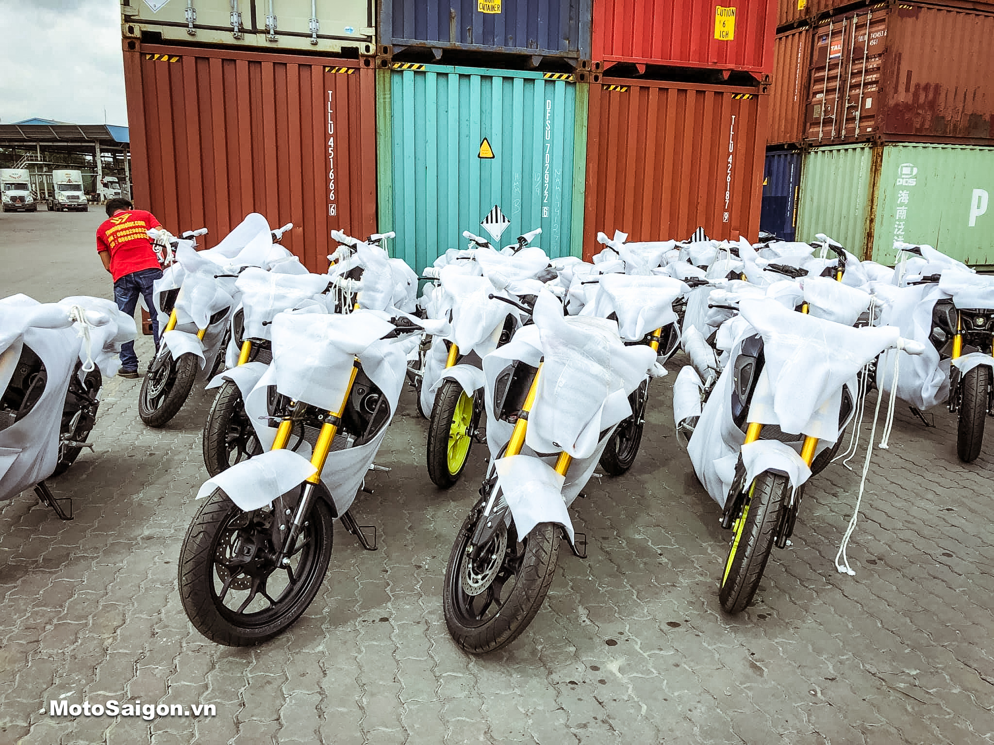 Đập thùng Yamaha MT-15 V-ixion R 2019 về Việt Nam số lượng lớn
