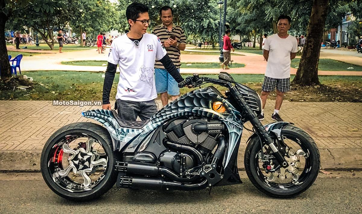 Trên lưng Mãng Xà Anaconda: tác phẩm xe độ từ Suzuki Intruder
