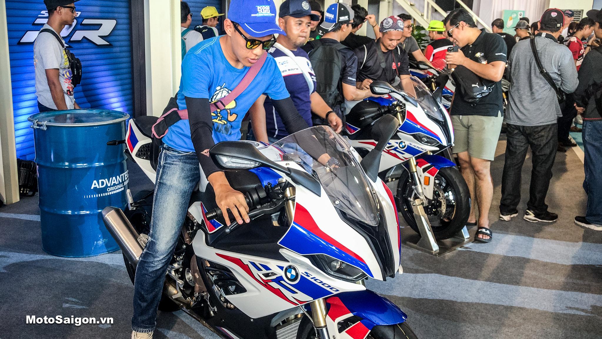 Giá xe BMW S1000RR 2019 mẫu mới đã có tại Thái