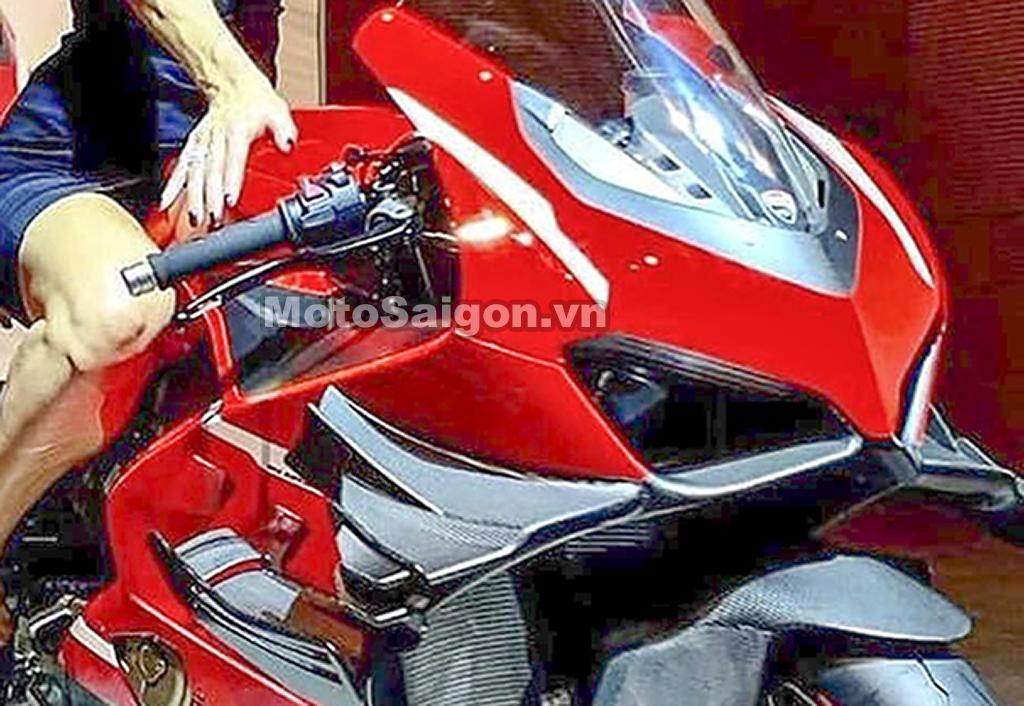 Ducati V4 Superleggera lộ ảnh thực tế với cánh gió kép giá siêu tưởng