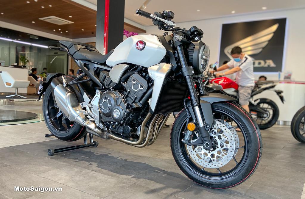 Honda CB1000R 2020 màu trắng bạc bất ngờ về Việt Nam