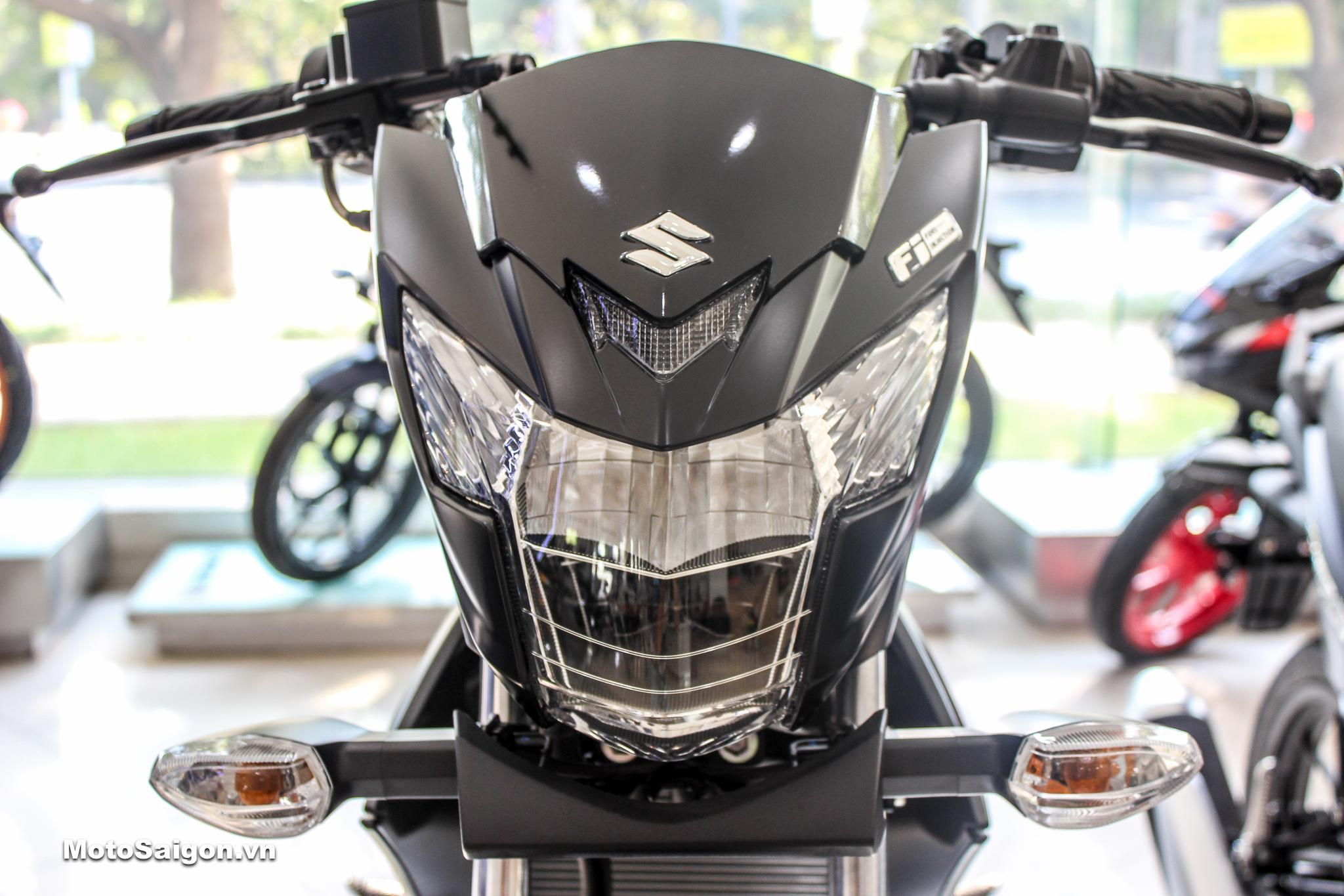 Cận cảnh đầu đèn Satria F150 màu đen mờ