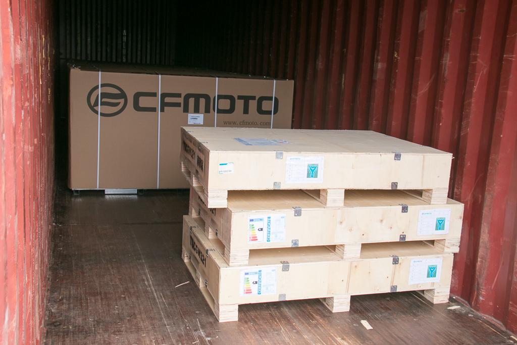 Khui công CFMOTO 300SR đầu tiên về Việt Nam giá cực sốc