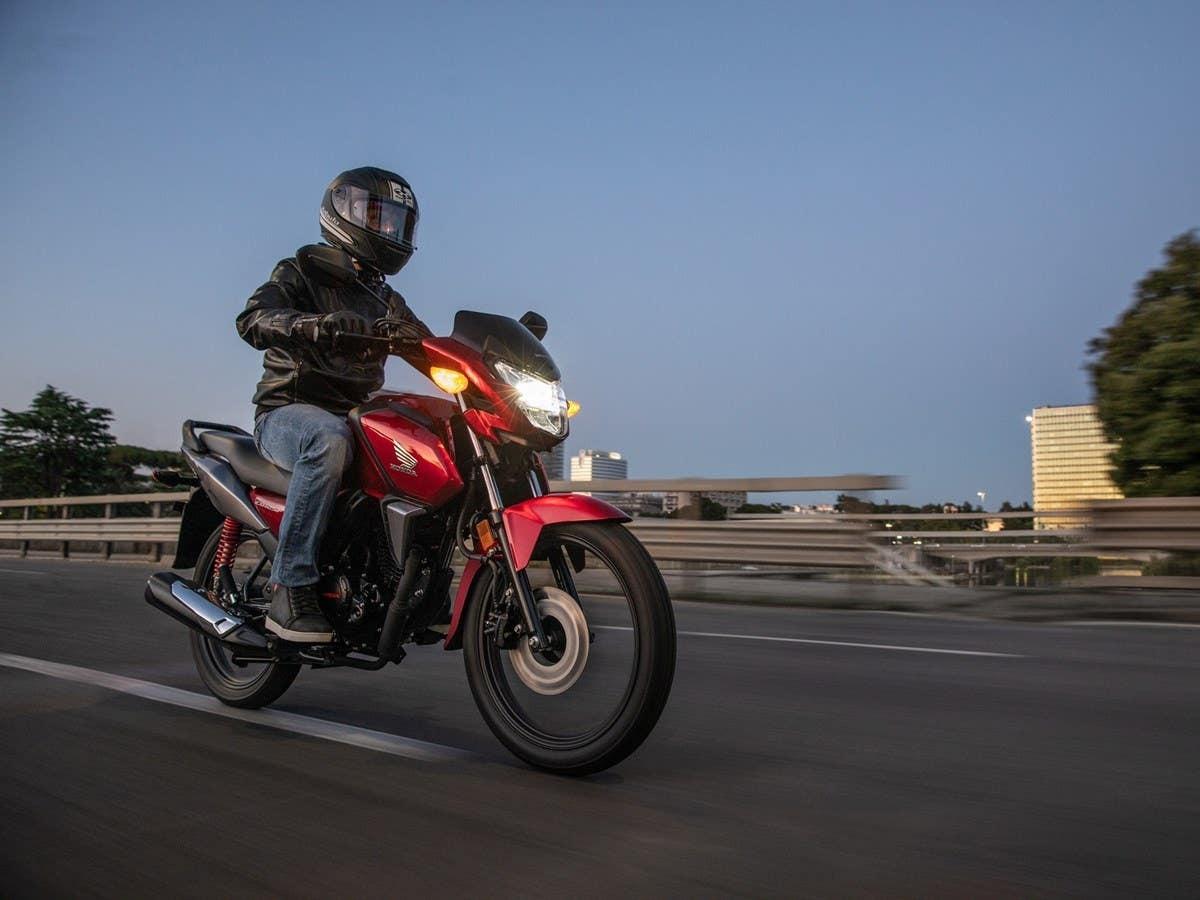 Honda Hornet 800 2015 - Xe naked bike hoàn toàn mới
