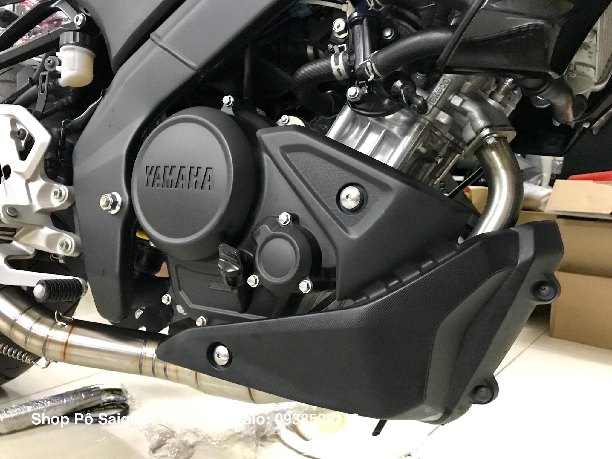 Yamaha MT15 độ pô Yoshimura R77 carbon cổ pô inox 304 ốp viền mí mắt mt09