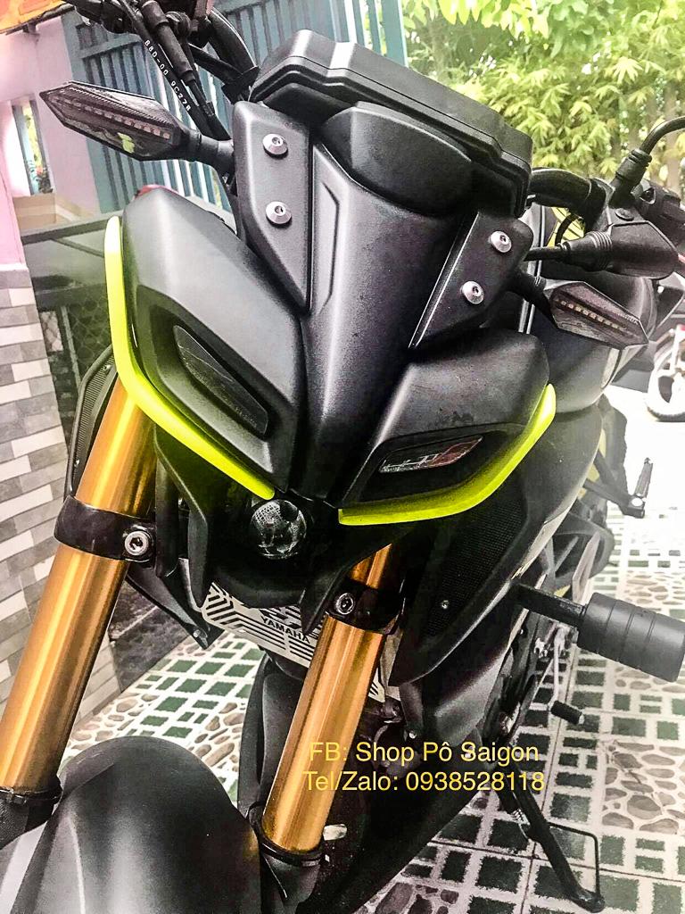 Yamaha MT15 độ đẹp với phụ kiện đồ chơi ốp mí mắt MT09