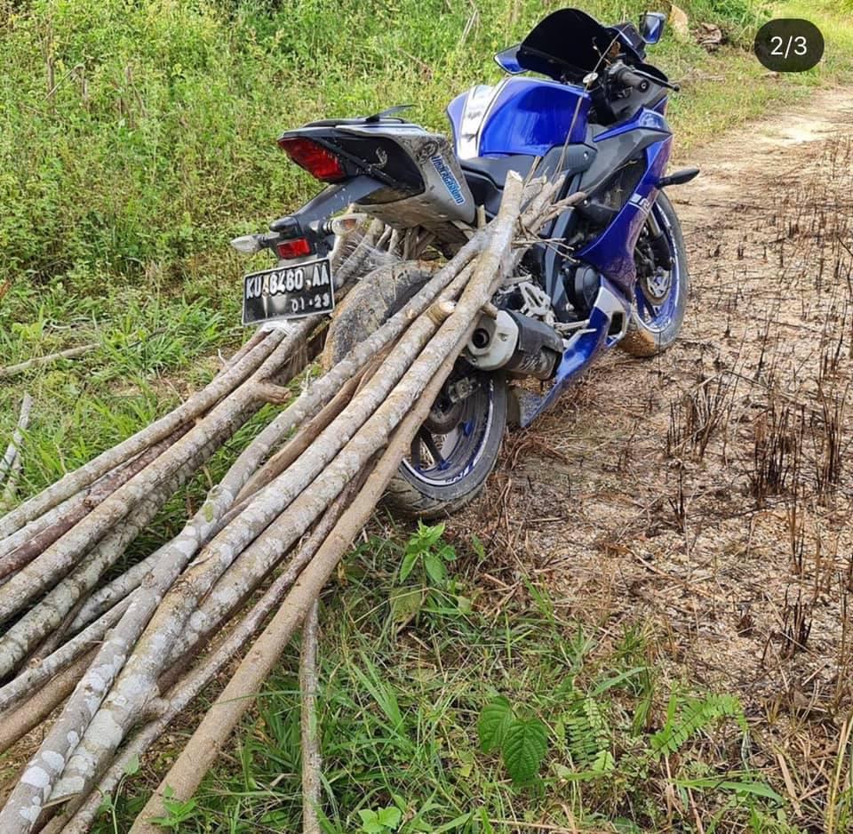 """Hình ảnh Yamaha R15 v3 bị bắt """"lao động"""" khổ sai khiến fan xót xa"""