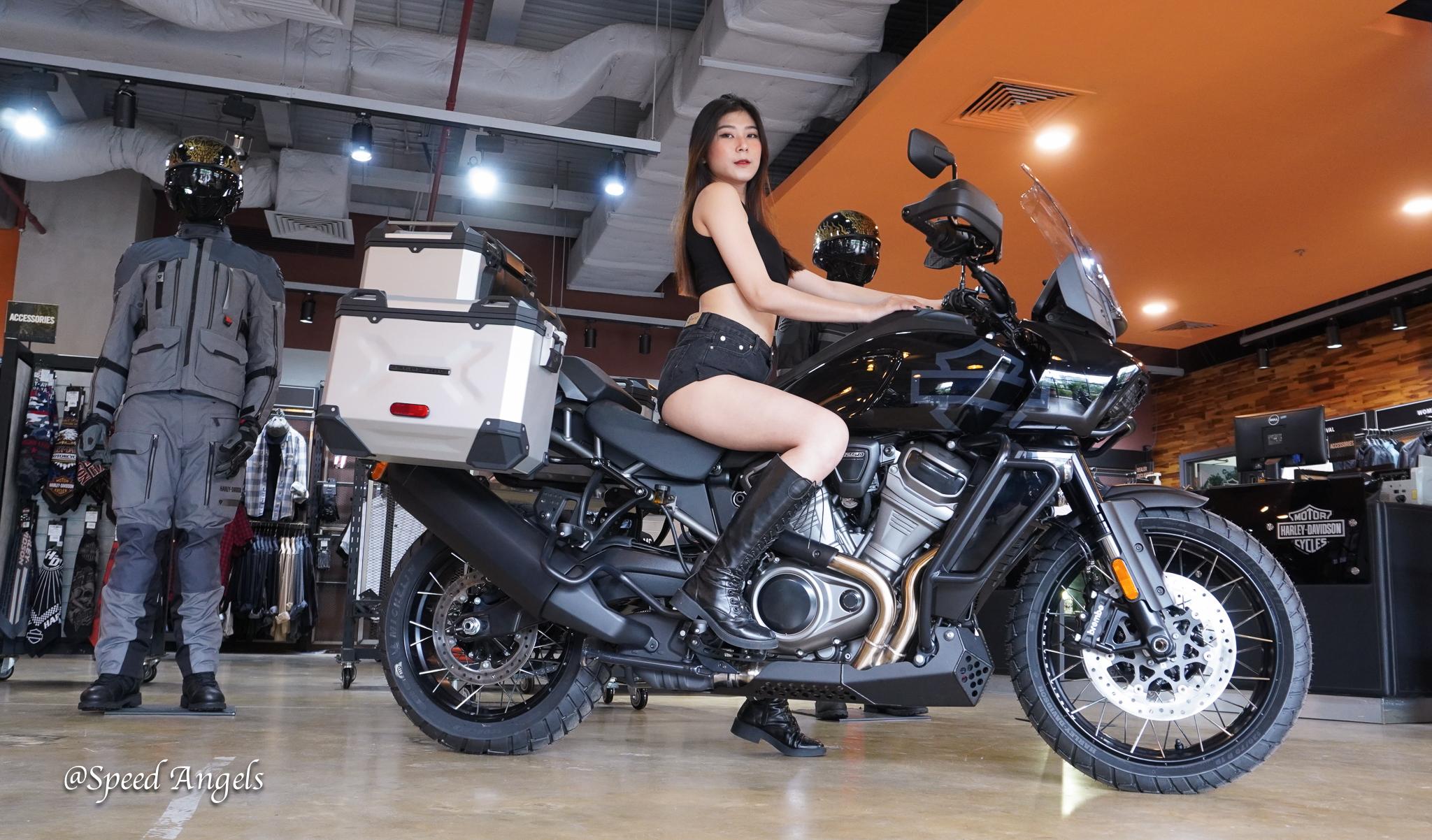 Speed Angels Tuệ Nghị & Harley-Davidson Pan America 1250 Special đã lắp đầy đủ phụ kiện chính hãng
