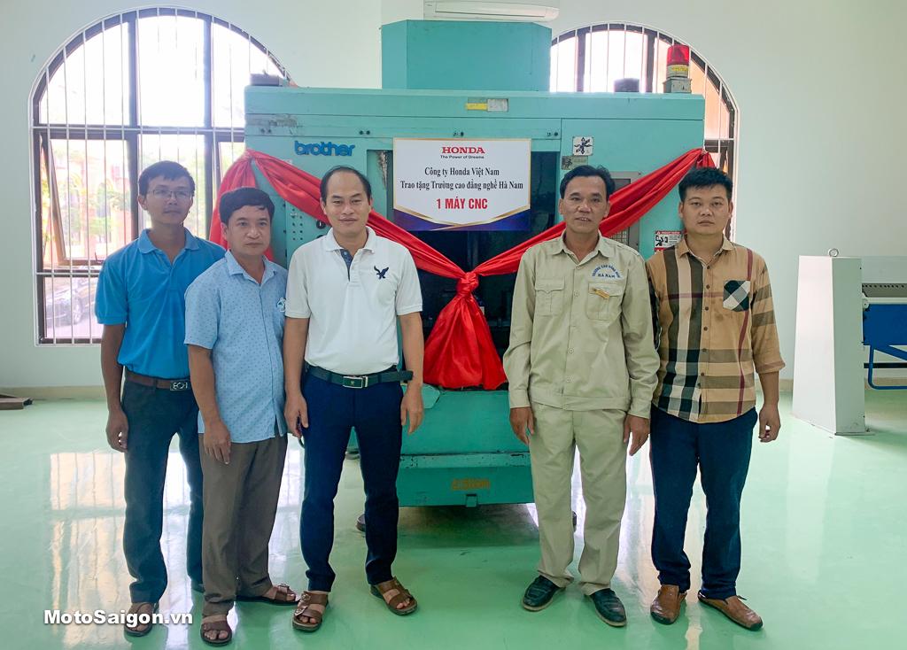 Trường Cao đẳng Nghề Hà Nam đón nhận 01 máy CNC do Công ty Honda Việt Nam trao tặng
