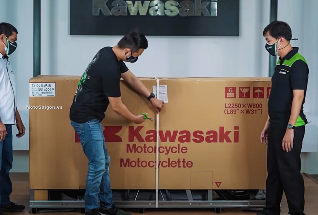 Khui thùng Kawasaki Ninja ZX-10R KRT 2021 mẫu mới kèm giá bán