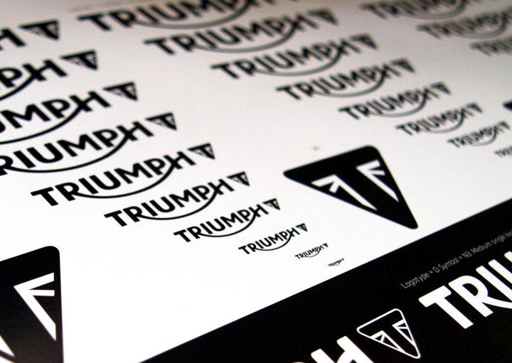 Ý nghĩa logo hãng xe Triumph