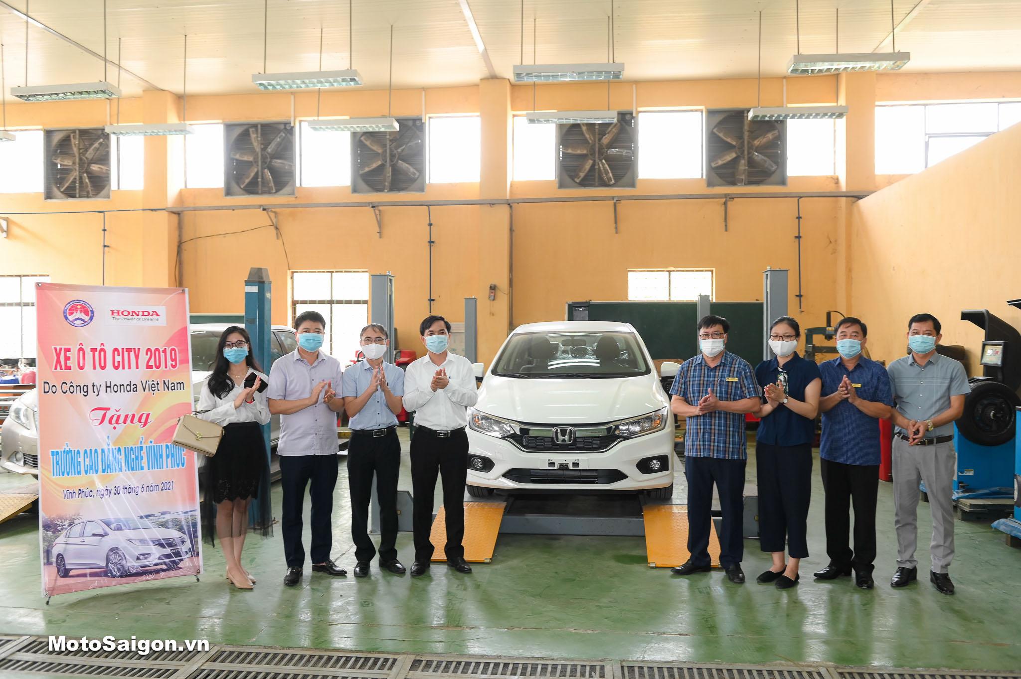 Trao tặng 01 xe ô tô Honda City 2019 cho trường Cao đẳng Nghề Vĩnh Phúc