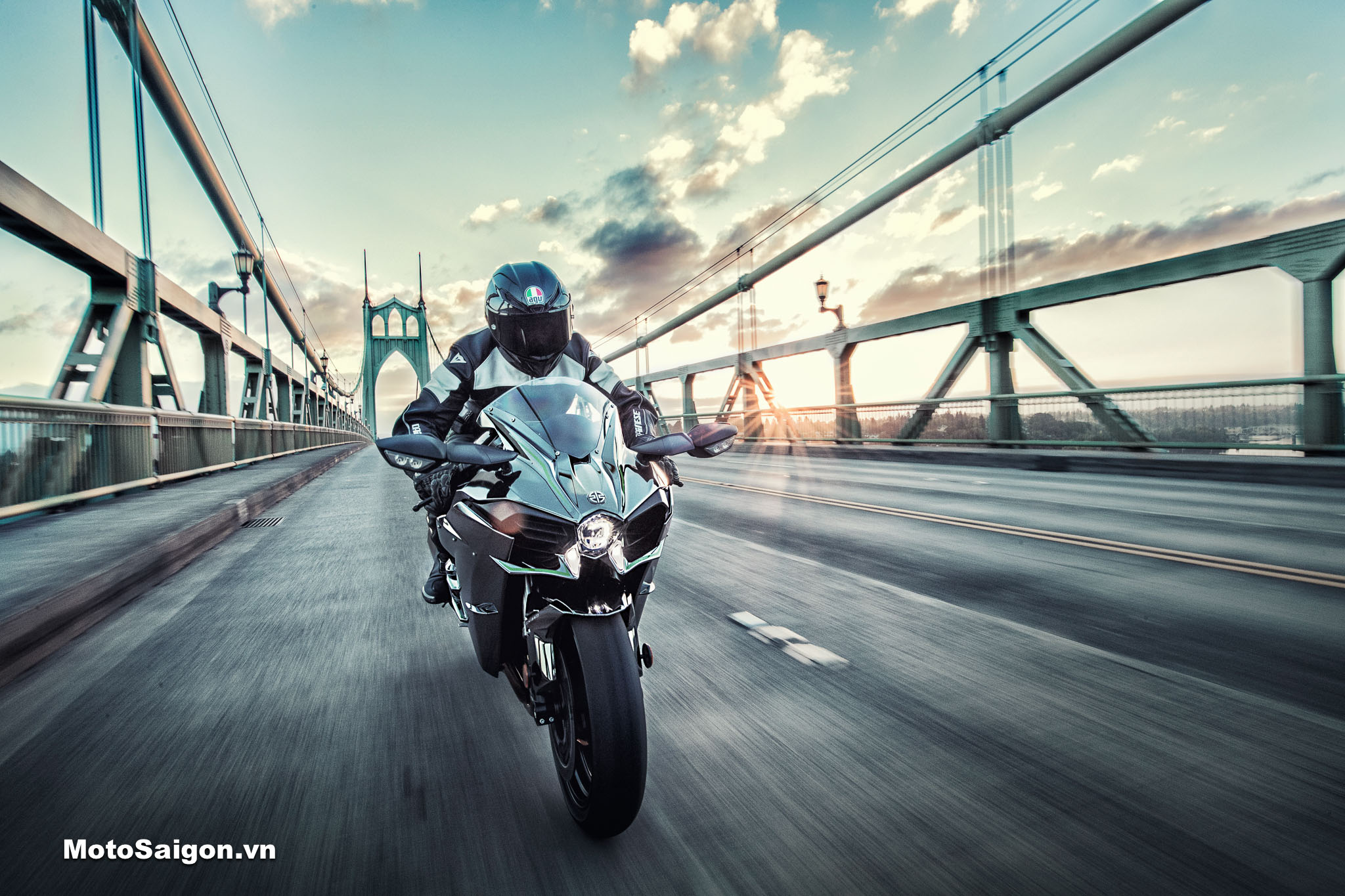 Kawasaki Ninja H2 Carbon 2021 ABS phiên bản mới đã có giá bán